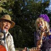On chante encore dans les jardins ...